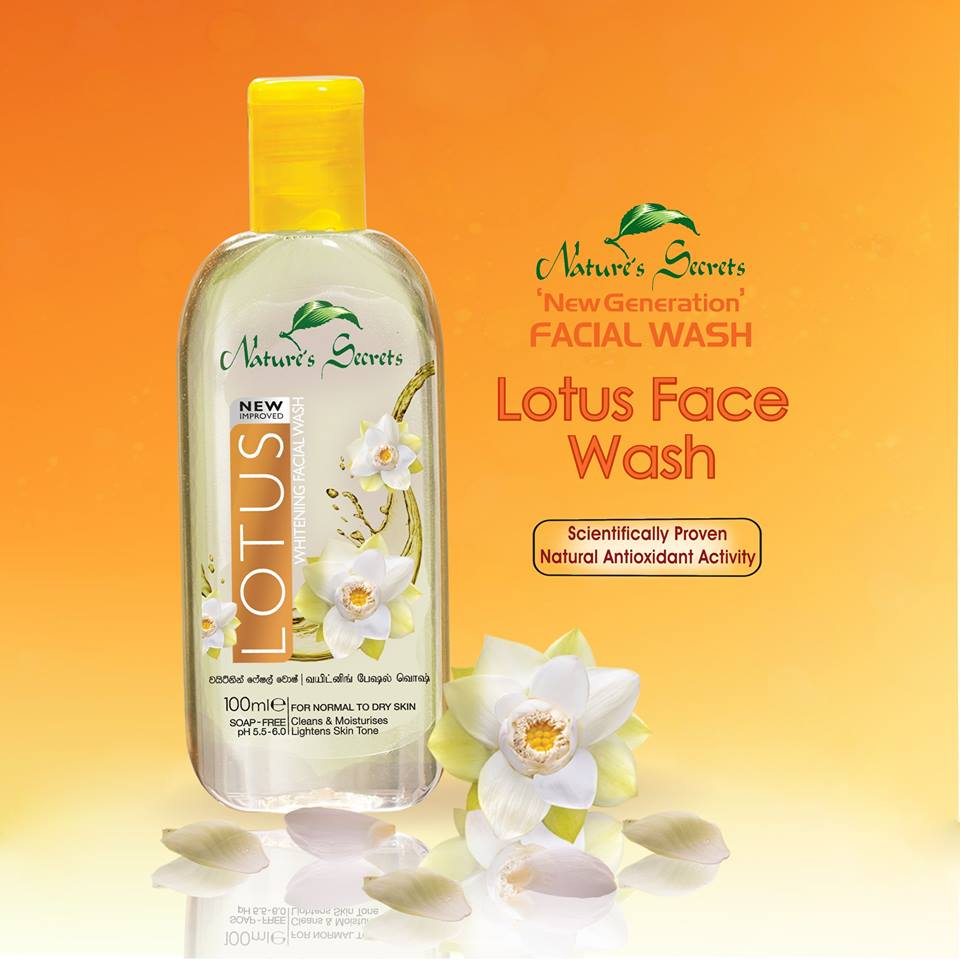 Sữa rửa mặt Lotus Extract Facial Cleansing Gel